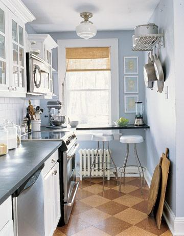Kitchen for a narrow kitchen: an excuse to show imagination