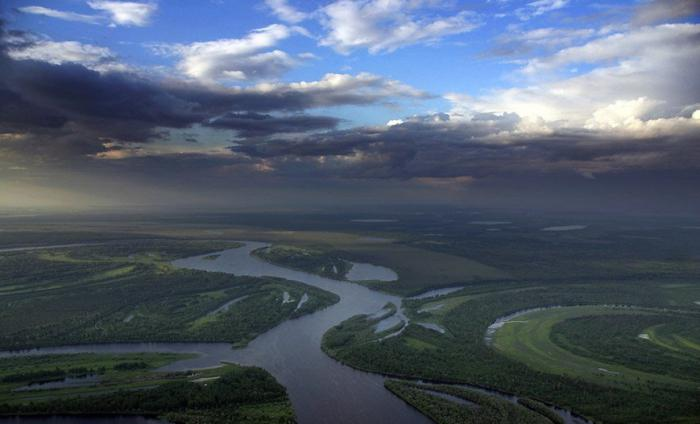 What are the largest rivers in Russia?